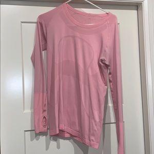 long sleeve lulu lemon shirt